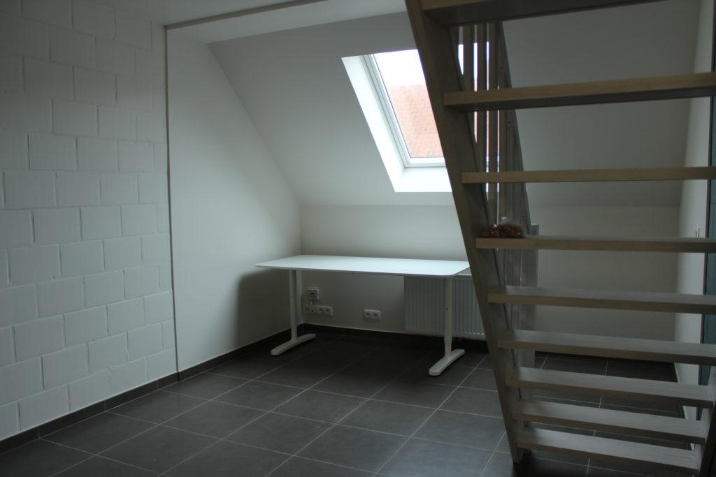 Wilgenstraat 45 - Kamer 24 - Bureau, venster, verwarming en trap