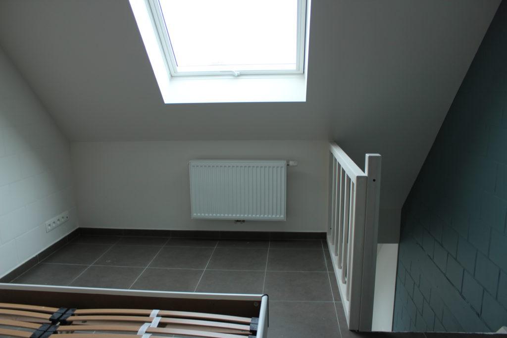Wilgenstraat 45 - Kamer 24 - Tweepersoonsbed, verwarming, venster en trap naar beneden