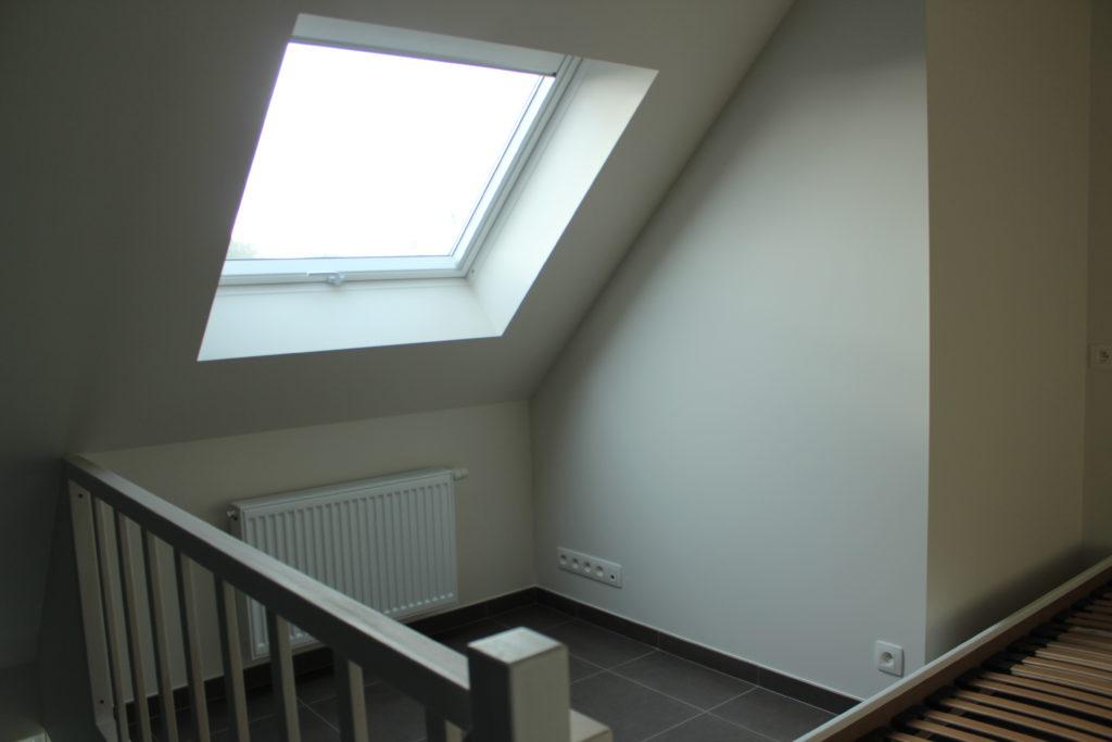 Wilgenstraat 45 - Kamer 22 - Venster, verwarming en tweepersoonsbed