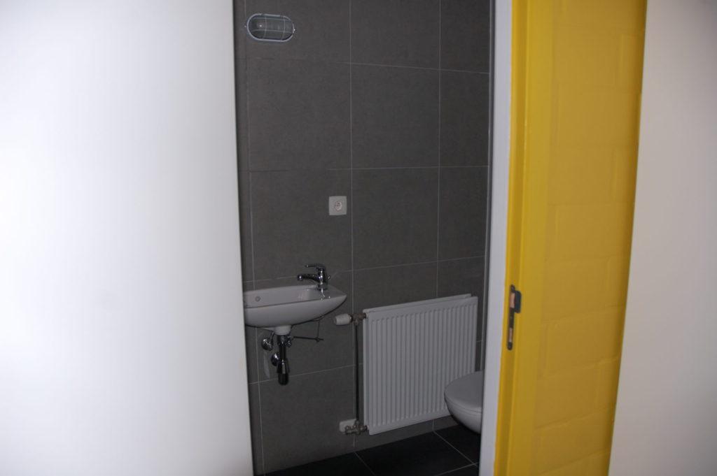 Sint-Jozefsstraat 30 - Kamer 11 - Deur naar badkamer