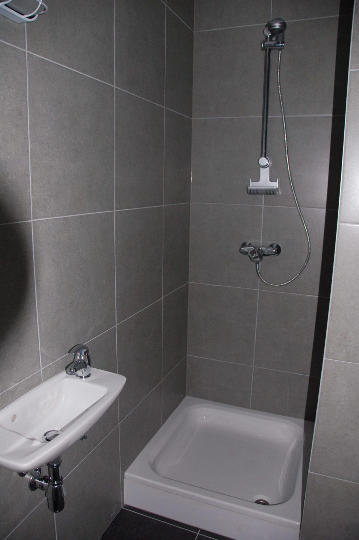 Sint-Jozefsstraat 30 - Kamer 11 - Douche en lavabo
