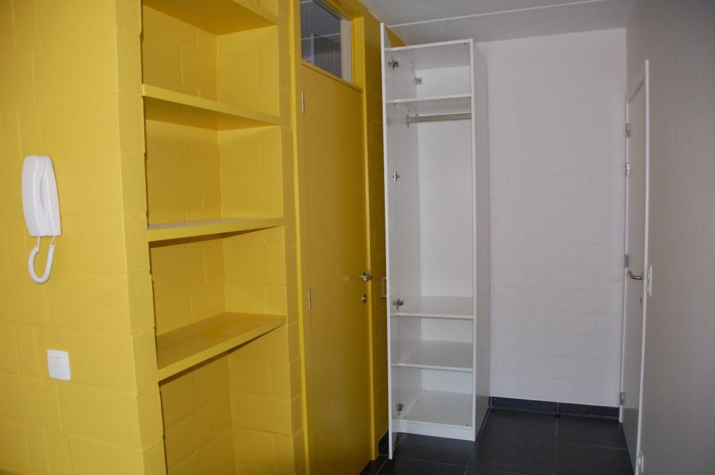Sint-Jozefsstraat 30 - Kamer 11 - Kasten en deur badkamer