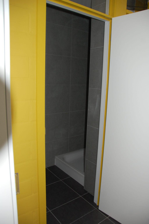 Sint-Jozefsstraat 30 - Kamer 12 - Deur naar badkamer