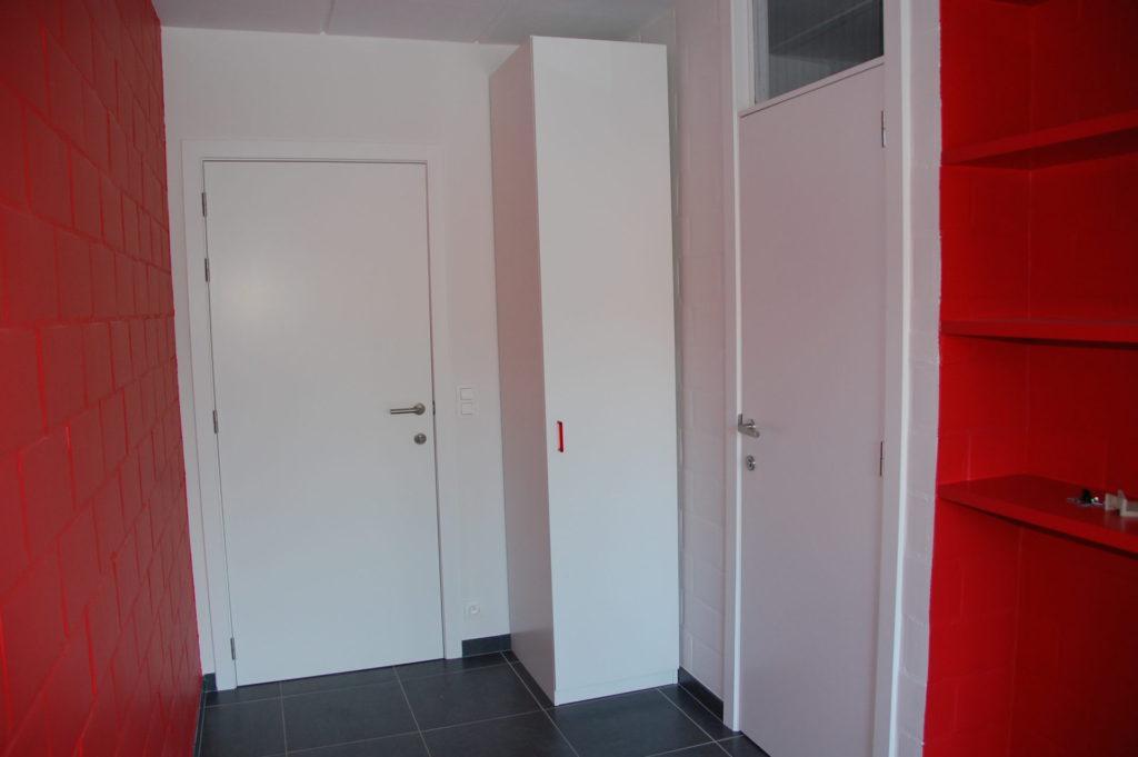Sint-Jozefsstraat 30 - Kamer 14 - Deur kamer, kast en deur badkamer