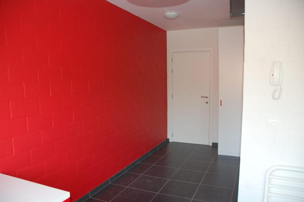 Sint-Jozefsstraat 30 - Kamer 14 - Gang, deur kamer, kast en telefoon