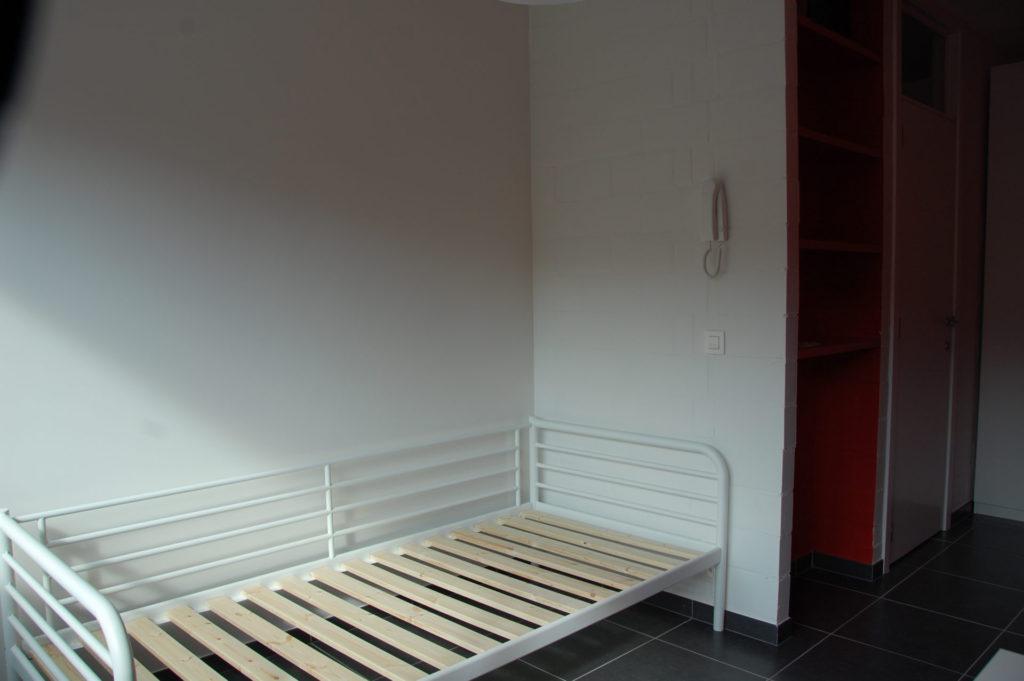 Sint-Jozefsstraat 30 - Kamer 17 - Bed