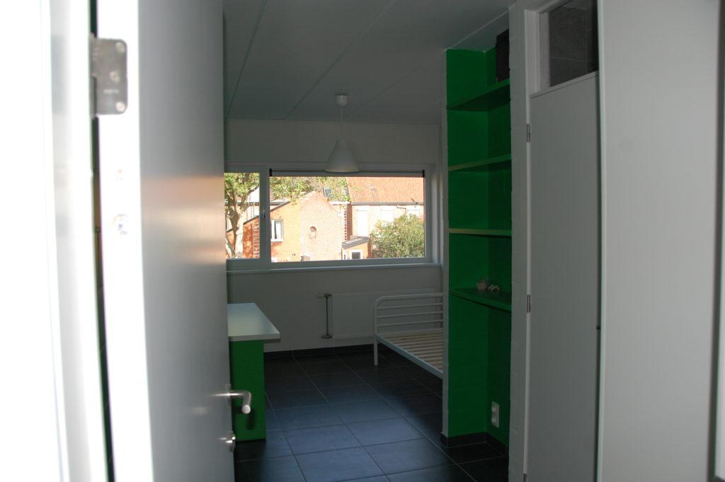 Sint-Jozefsstraat 30 - Kamer 3 - Deur naar kamer