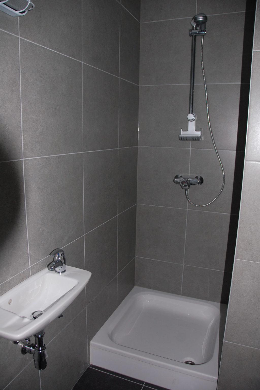 Sint-Jozefsstraat 30 - Kamer 3 - Douche en lavabo