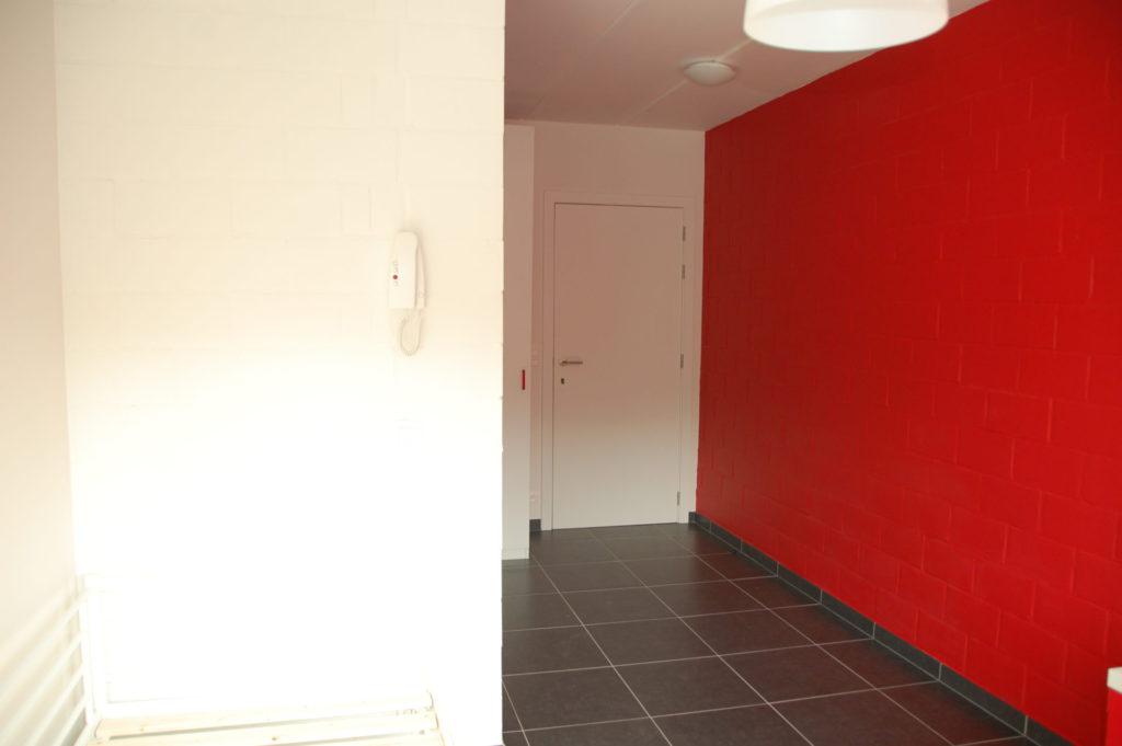 Sint-Jozefsstraat 30 - Kamer 5 - Telefoon, gang en deur kamer