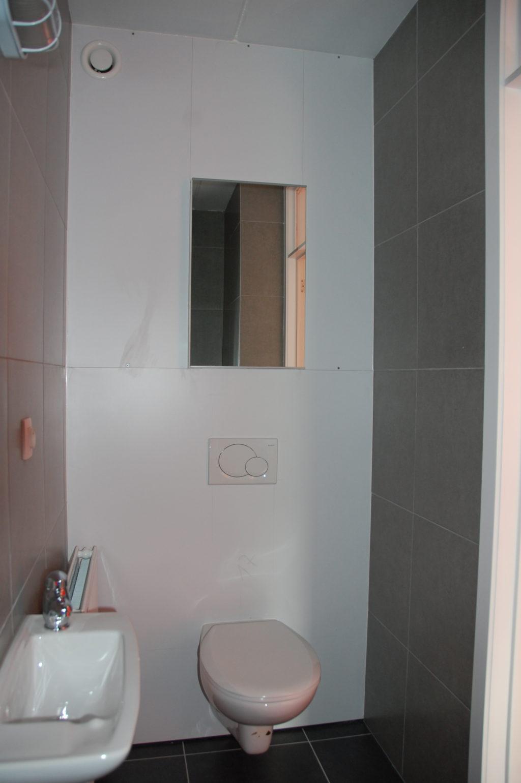 Sint-Jozefsstraat 30 - Kamer 5 - Toilet en lavabo