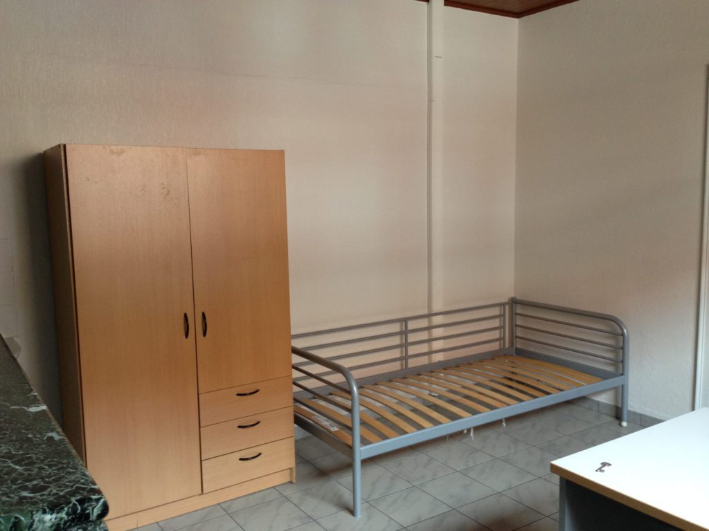 Wilgenstraat 49 - Kamer 1 - Kast en bed