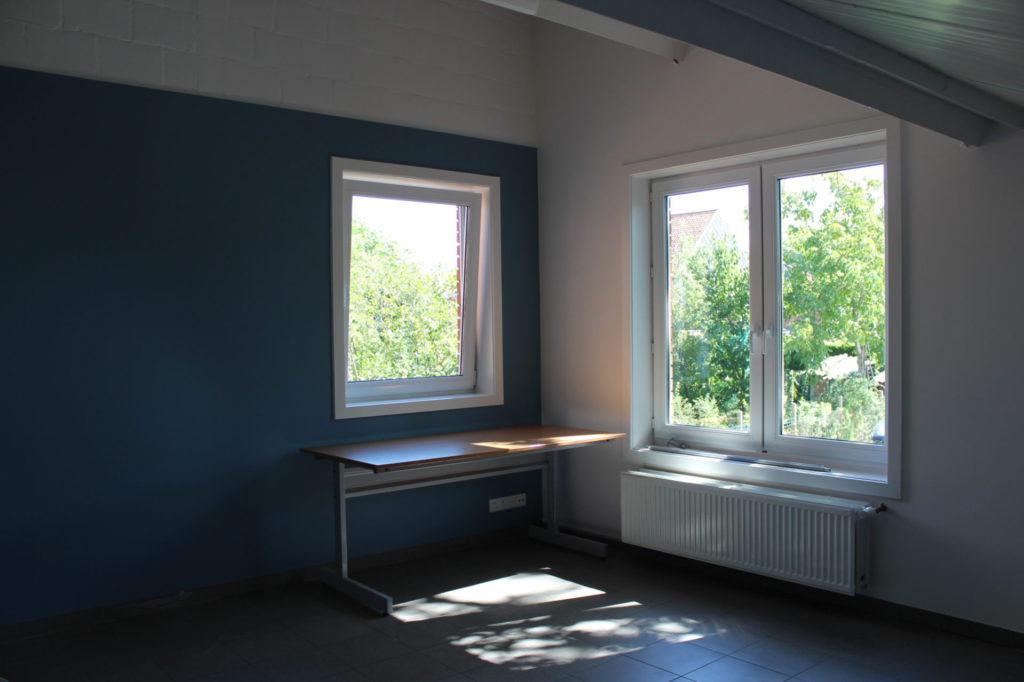 Wilgenstraat 49 - Kamer 15 - Bureau, vensters en verwarming