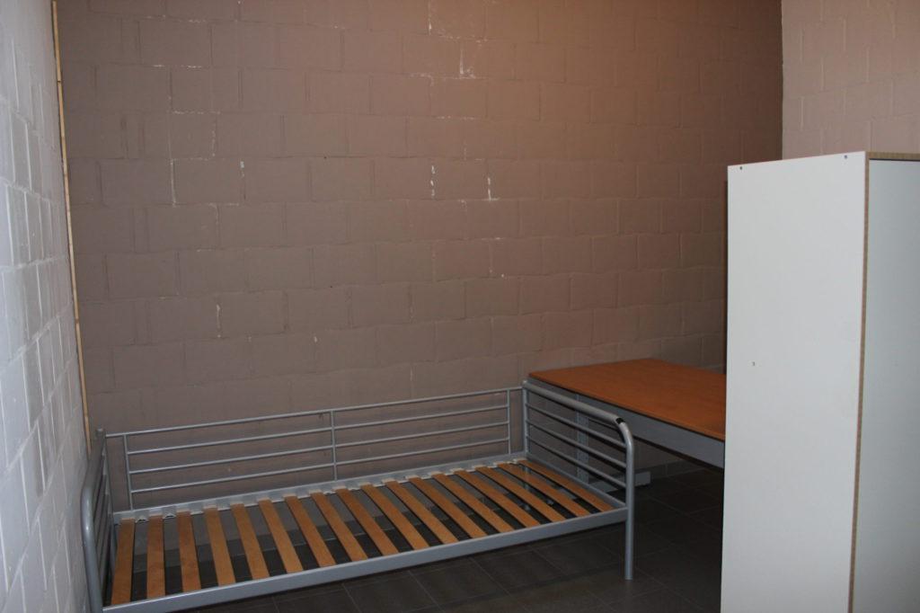 Wilgenstraat 49 - Kamer 4 - Kast, bureau en bed