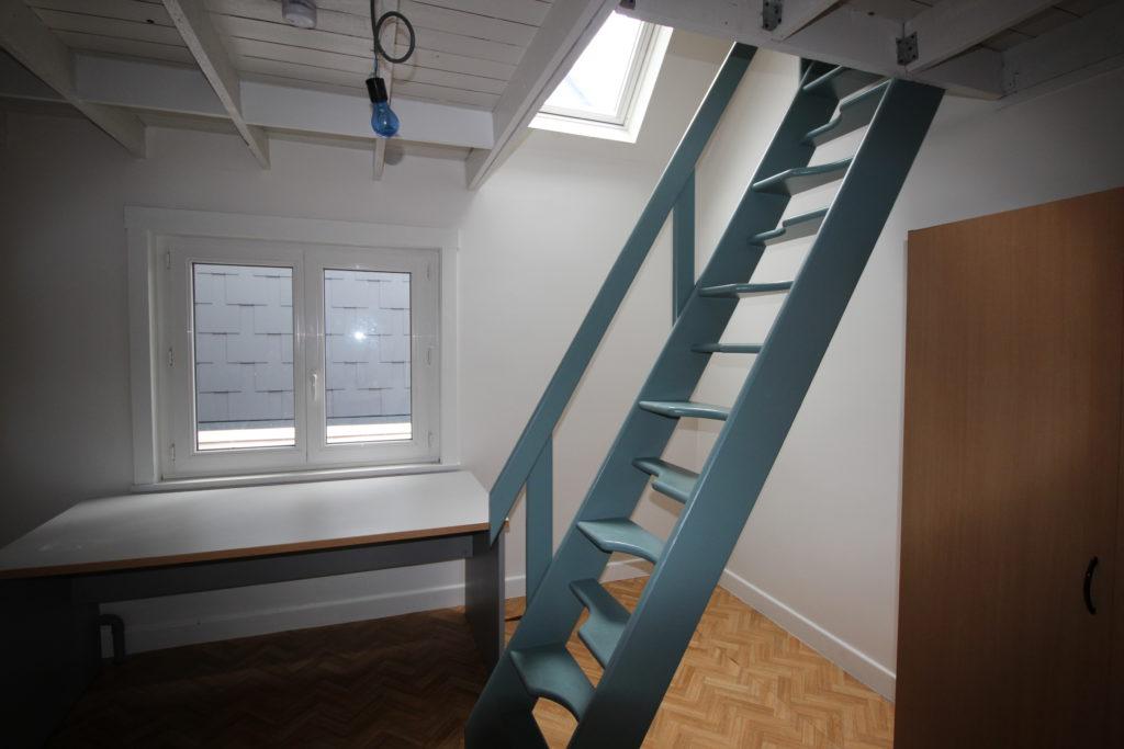 Wilgenstraat 49 -bureau en trap