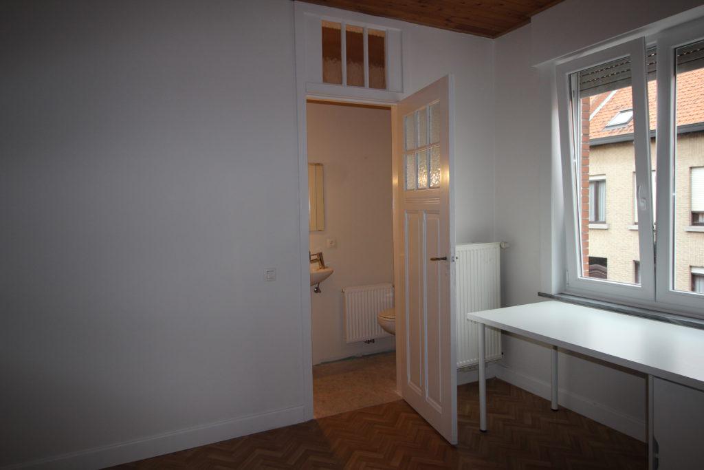 Wilgenstraat 49 - Kamer 11 - Deur naar badkamer