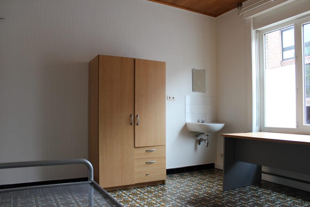 Wilgenstraat 49 - kast, bed en bureau