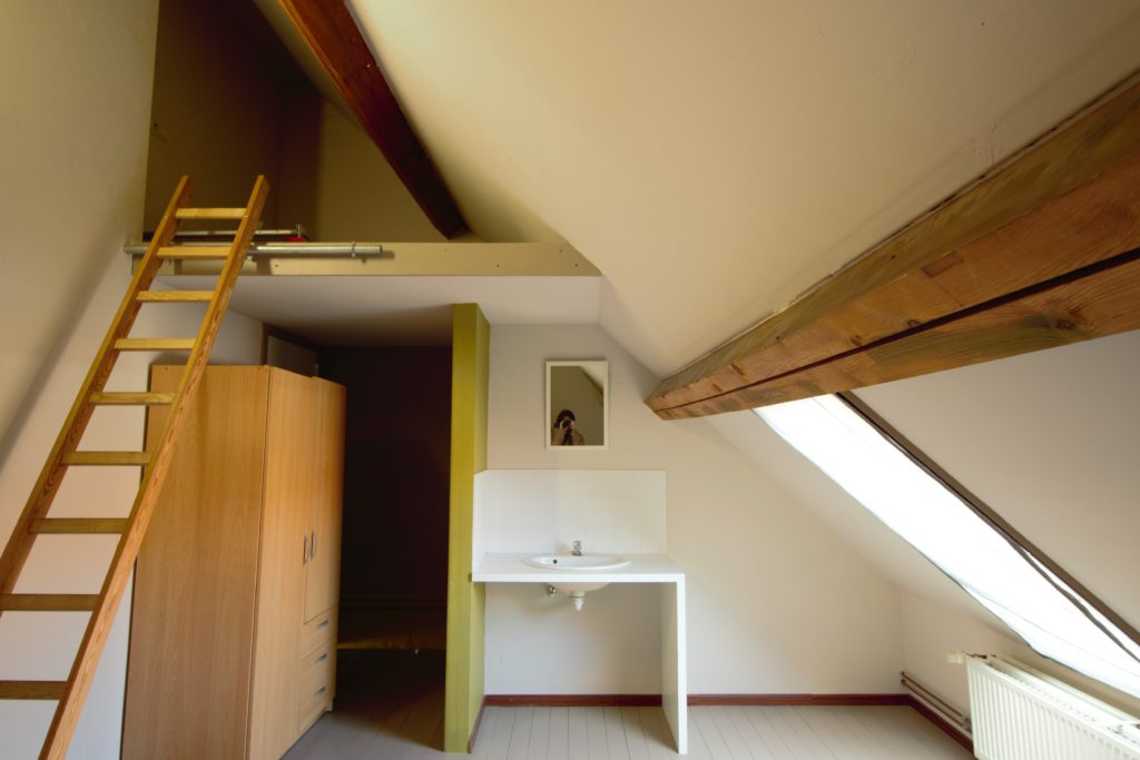 Wilgenstraat 49 - lavabo, kast en zolder