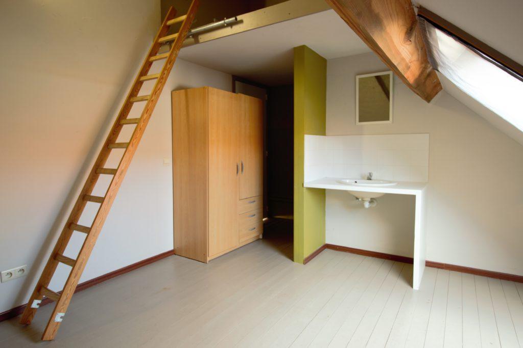 Wilgenstraat 49 - lavabo, trap en kast