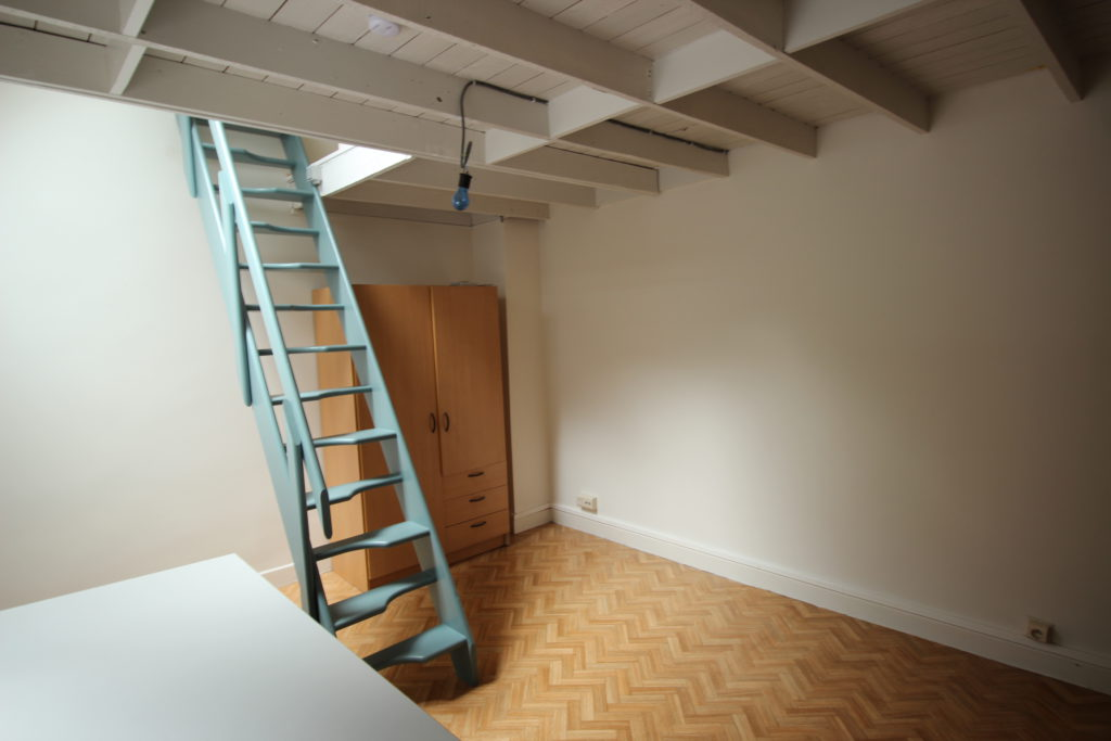 Wilgenstraat 49 - trap en kast